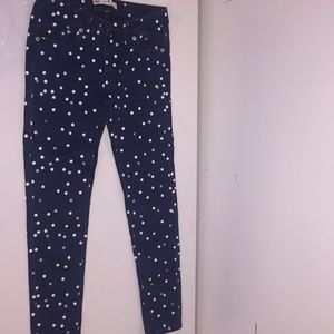 Size: 10.          Brand: LEVI's